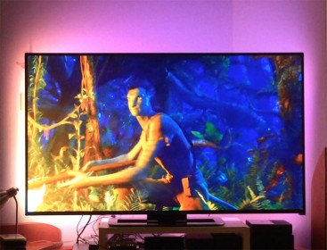 OpenElec, Boblight, Arduino and WS2812 LED strands in action
